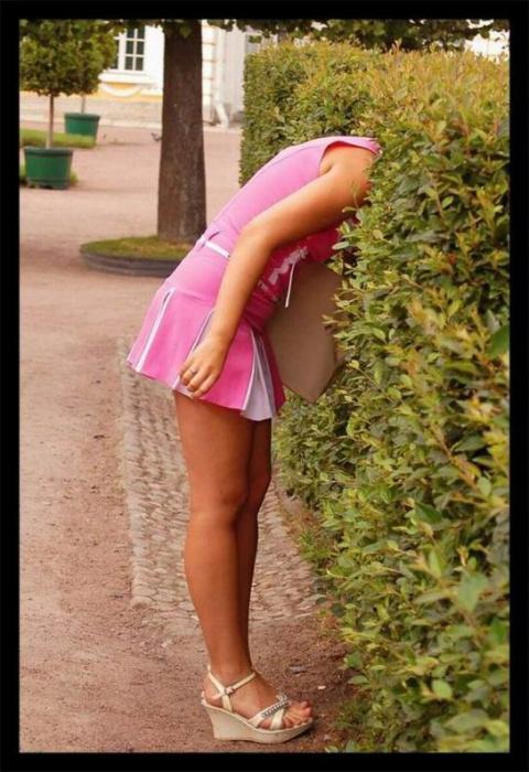 Стоит девушка в короткой юбочке...Веселые анекдоты