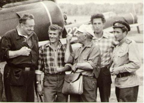 Советские знаменитости в рабочей обстановке