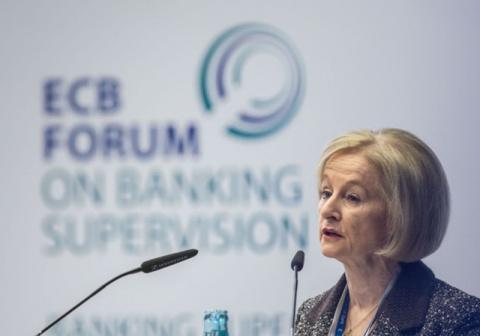 Ноу: в еврозоне слишком много банков