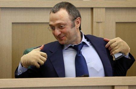 Андрей Епифанцев. Наших тузов вроде сенатора Керимова ловят за границей. Ликовать или плакать?