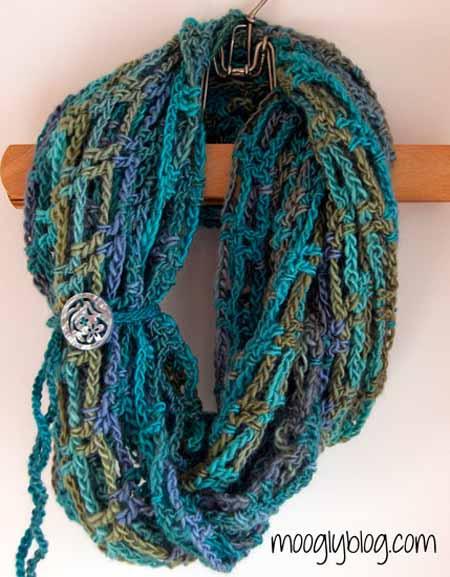 Эффектный шарф в сеточку