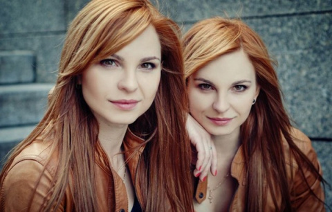 Очаровательные близняшки