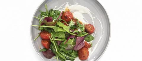 САЛАТНЫЙ ДЕНЬ. Салат из обжаренных помидоров с йогуртом