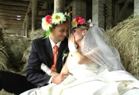 Первая брачная ночь на сенов…