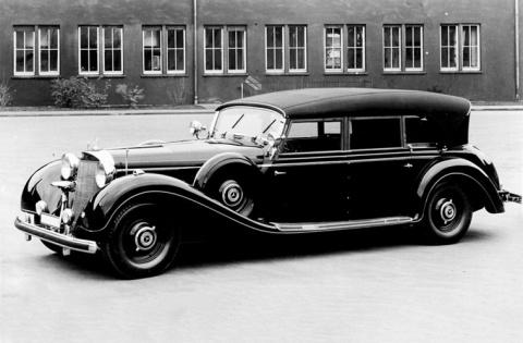 Почему на автомобиле Гитлера возили дыни