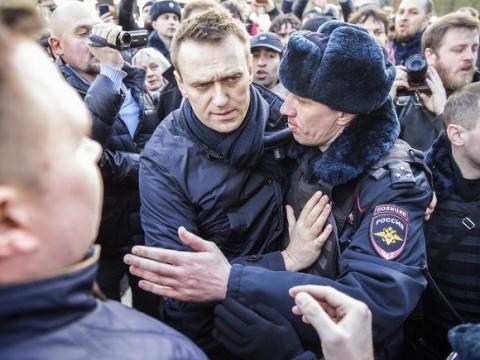 Навальный не так уж далек от Путина
