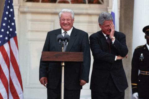 Михалков: деятельность «Ельцин-центра» — это яд для наших детей