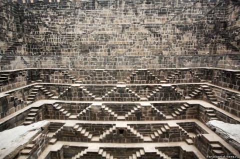 Чанд Баори - Пирамида наизнанку