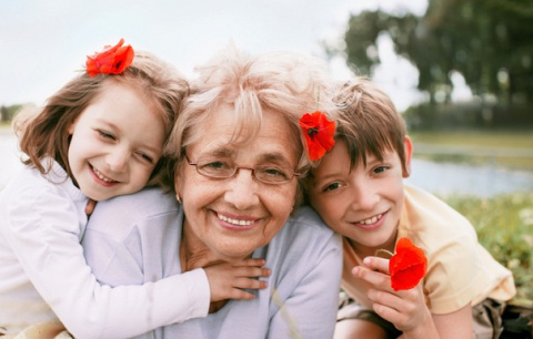 Почему современным бабушкам …