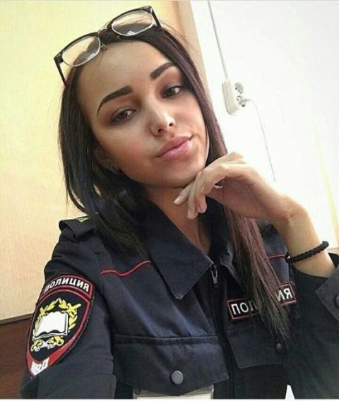 Девушки из полиции (24 фото)