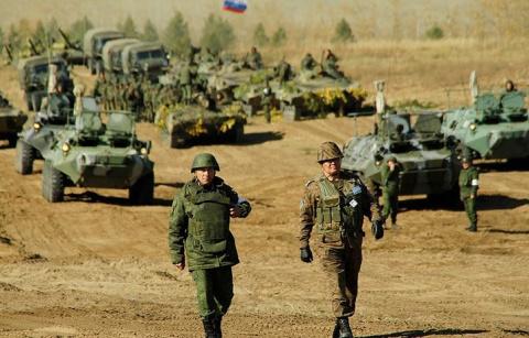 НАТО «разрешило» РФ проводит…