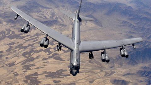 Американские бомбардировщики B-52 сбросят учебные бомбы в Эстонии