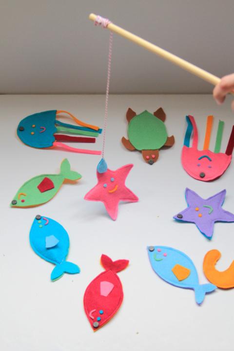 Как сделать детскую игрушку – рыбалку