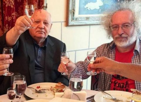 Когда Горбачёв был Гитлером …