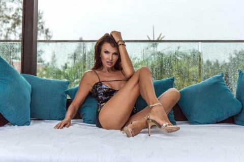 47-летняя Эвелина Бледанс все так же прекрасна, как и раньше