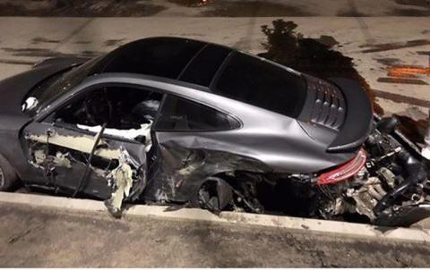 Ростовский автоцентр Porsche отказался менять разбитый его сотрудником спорткар
