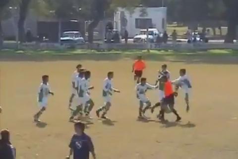 Не Индия, а Аргентина: футбольная команда избила судейскую бригаду