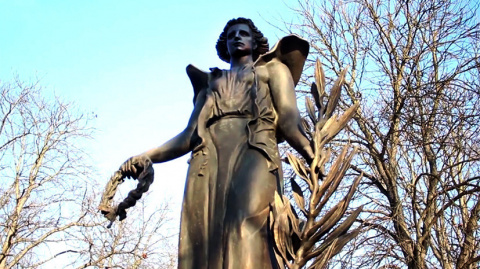 «Ангел мира»: в Венгрии уста…