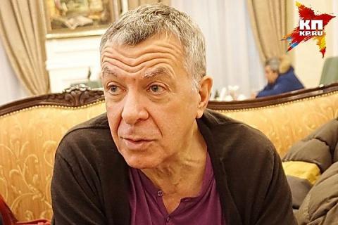 Андрей Ургант поддержал сына в конфликте с Соловьевым