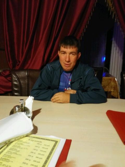 олег Олег максютов