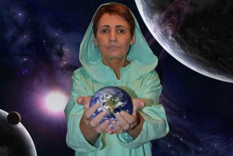 Казахстанская Ванга Вера Лион видит в этом году много катастроф и катаклизмов
