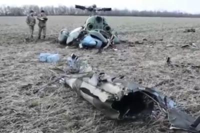 """Самая """"мощная"""" армия Европы ( и Вселенной) теряет снаряды и вертолеты: под Краматорском повис на проводах Ми-2"""