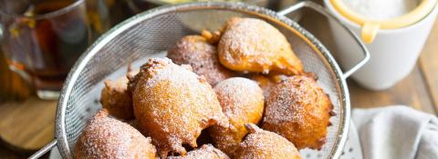Апельсиново-яблочные пончики по-итальянски за 10 минут