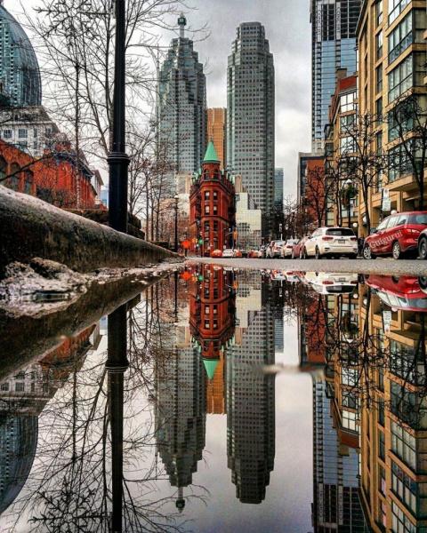 Таинственные зазеркалья: отражения в лужах в фотографиях Guido Gutiérrez Ruiz