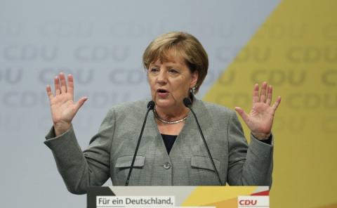 Меркель сбежала от российски…