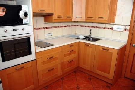 Устройство кухонь с небольшо…