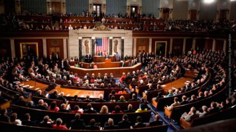 Сенат США разрешил спецслужб…