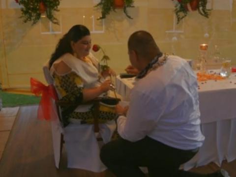 Свадьба по-цыгански: дождь из золота и купюры в 500 евро