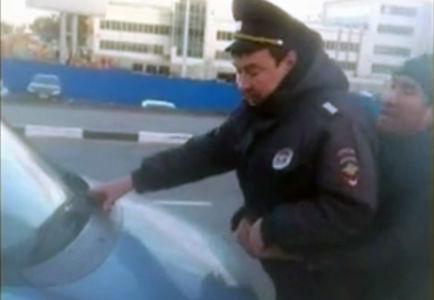В аэропорту Домодедово такси…