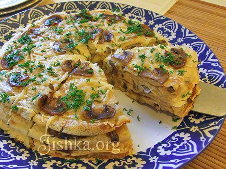 Блинный торт с грибами и сыром