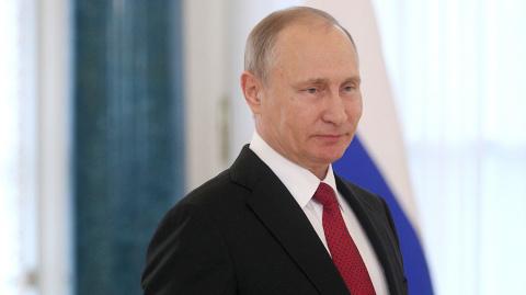 Путин поздравил правозащитницу Алексееву с 90-летием