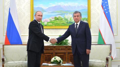 """Политологи увидели """"победу российской дипломатии"""" в Узбекистане"""