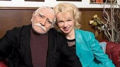 Сын Армена Джигарханяна резко высказался о разводе своего отца