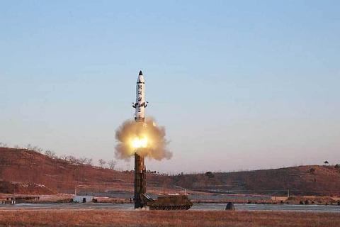 Северокорейская ракета упала недалеко от России