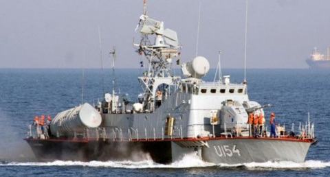 ВМС Украины со стрельбой зад…