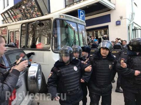 Навальный задержан на несанк…