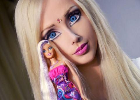 Украинская Барби  Валерия Лукьянова  показала себя без кукольного макияжа и фотошопа