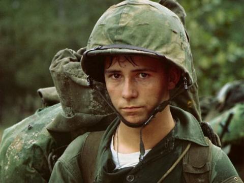 Дедовщина в армии: откуда пошла и кому выгодна