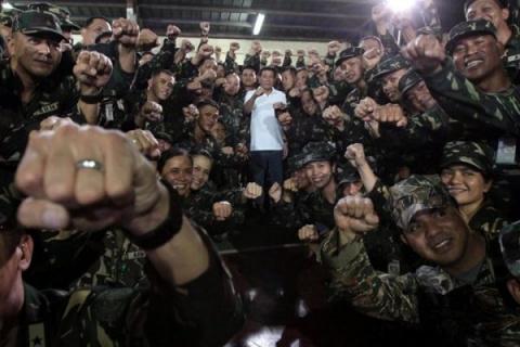 К прощанию Филиппин с Америкой: при чём тут мы
