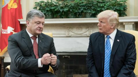 Порошенко играет с огнем: скандал с КНДР — цветочки, Украина предложила сделку еще одному врагу США
