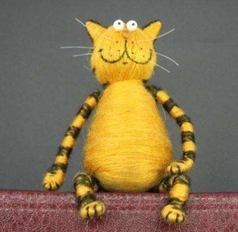 Котик-малыш из пробки. Бахрома для полотенца в технике макраме