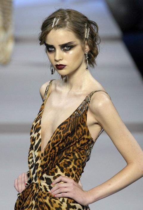 «Быть тощей — моя работа». Откровения моделей о темной стороне мира моды