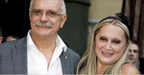 Известный актер с семьей покинул Россию