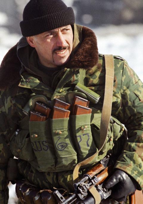 Приехавшие с Украины по уровню жестокости выделялись особо: через что прошел герой ВДВ Анатолий Лебедь