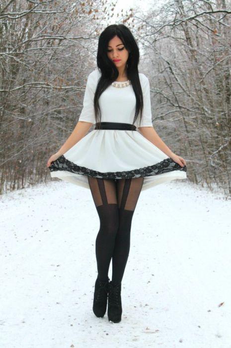 Красавицы в платьях (43 фото)