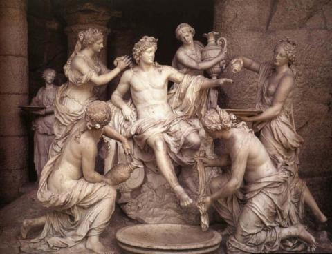 Почему у древних статуй всег…